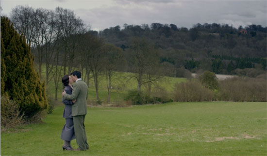 Lady Mary and Lord Gillingham kiss